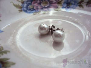 White Pearl Earrings5